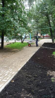 Дворовую территорию ул. Дубнинская д. 16 к. 1 начали демонтировать 06.08.2016 г. - 2.jpg